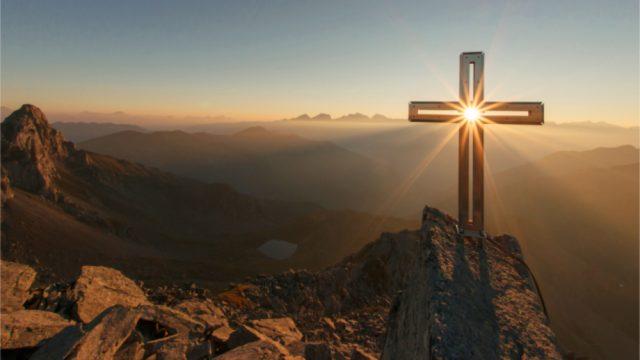 Kreuz_auf_Berg